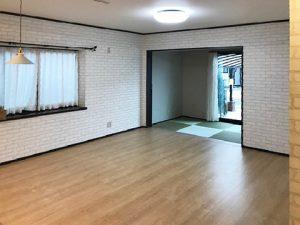 広島市東区温品4丁目の中古住宅のリビング