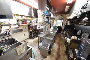 廿日市市宮島町の店舗兼住宅の厨房1