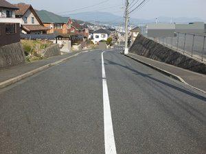 広島市西区己斐上2丁目の買取土地の前面道路写真