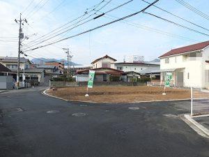 串戸5丁目の土地で角地の写真