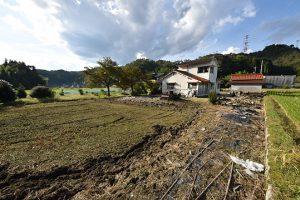 廿日市市玖島の古家付土地の全景写真A