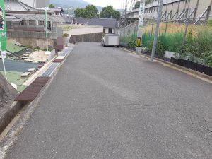 六本松1丁目売却土地の前面道路東向きの写真