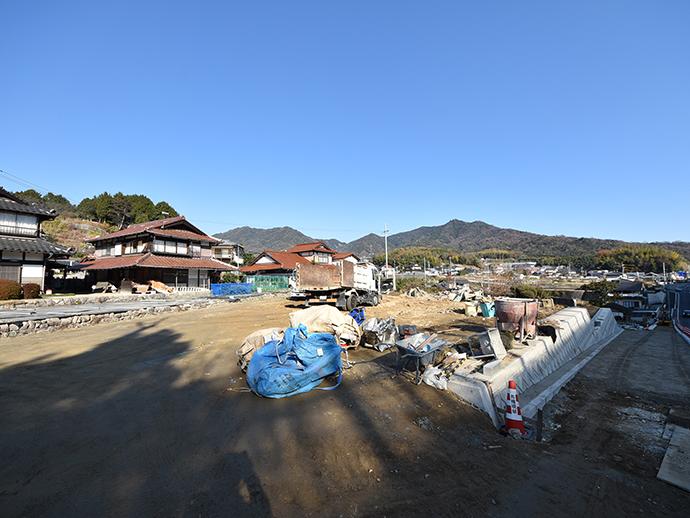 古家解体後に住宅用地へ造成中の写真