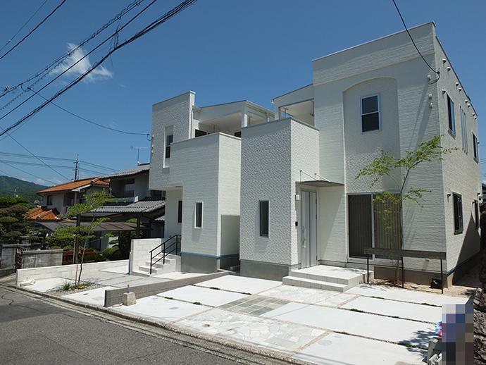 伴東8丁目の新築建売住宅2棟の完成外観写真