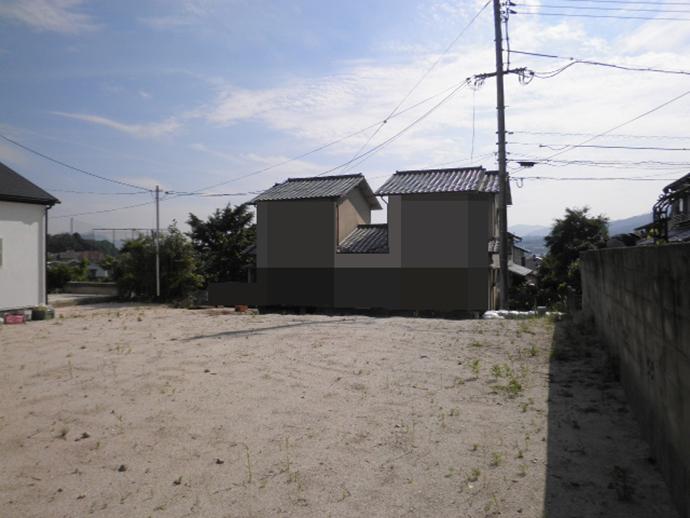宅地造成して2区画土地は開放感ある眺望が魅力