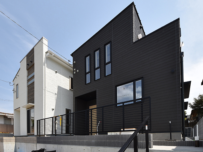 八幡東1丁目の土地に建築した2棟の注文住宅外観