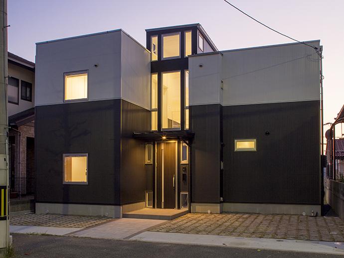 この土地に建築した新築建売モデルハウス完成外観